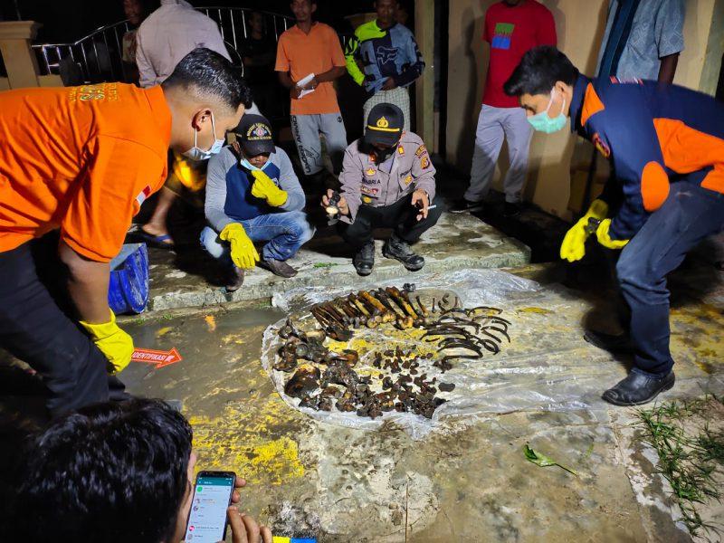 Kerangka Manusia Terbalut Mukena Ditemukan di Tambak Ikan