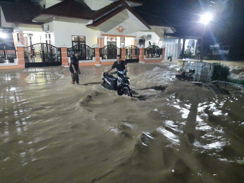 Desa Lengkong, Langsa Diterjang Banjir Bandang Dini Hari