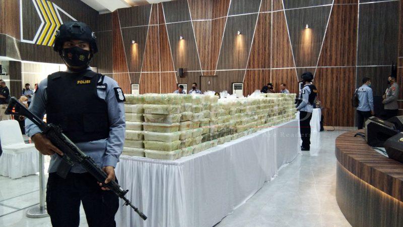 Polda Aceh Gelar Barang Bukti Sabu Seberat 350 Kg