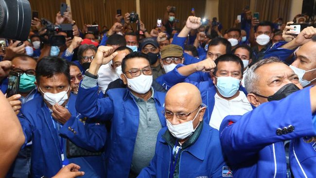 Relawan Jokowi Duga Moeldoko Terjebak Siasat SBY Besarkan AHY